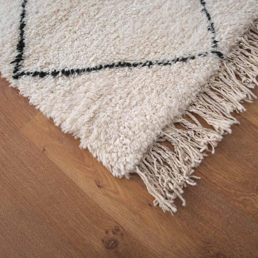 beni ourain teppich in beige schwarz bei. Black Bedroom Furniture Sets. Home Design Ideas