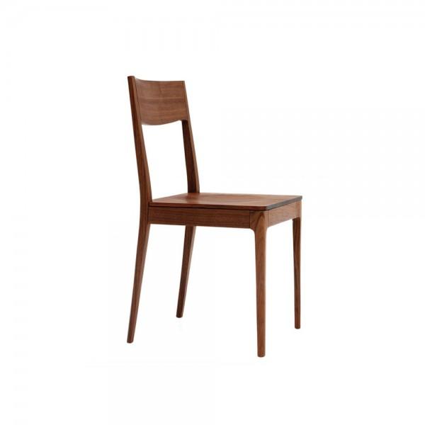 """Stuhl """"Calu"""" von ZEITRAUM aus Walnuss"""