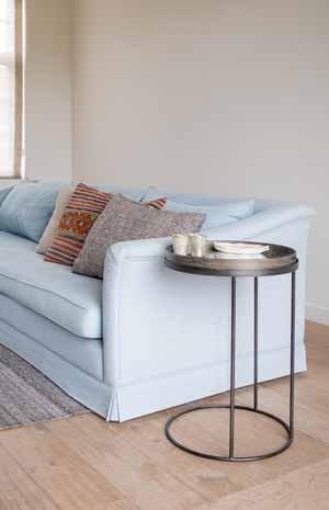 hohe beistelltische zum stehen gute tische online. Black Bedroom Furniture Sets. Home Design Ideas