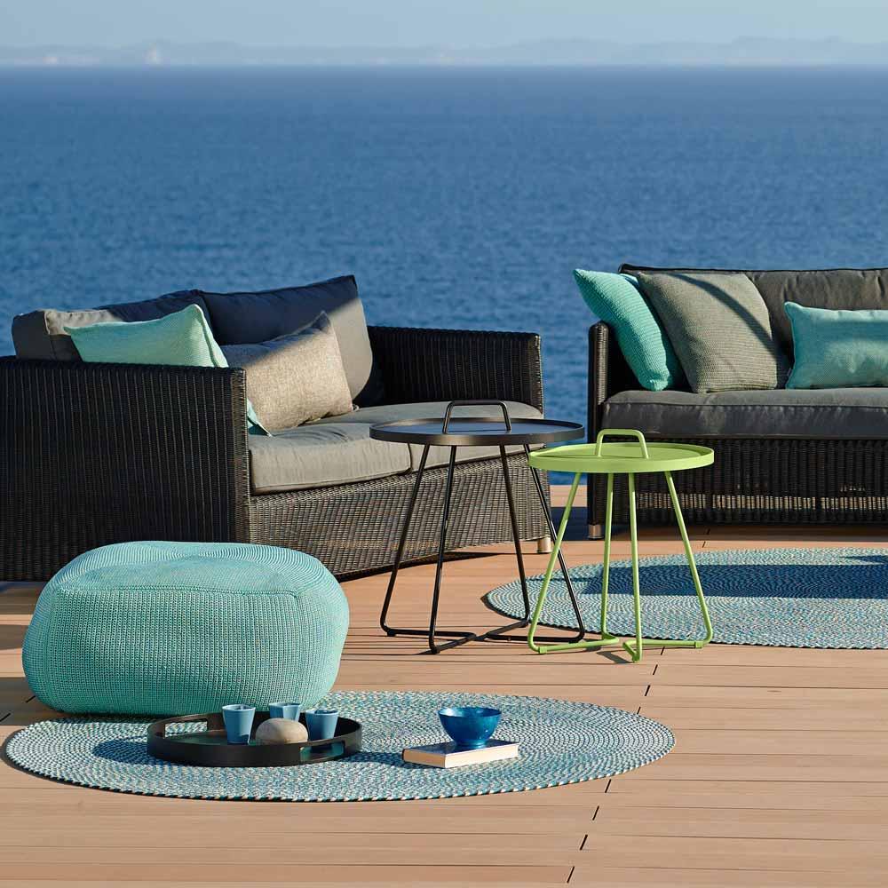 cane line tisch on the move beistelltisch f r drau en. Black Bedroom Furniture Sets. Home Design Ideas