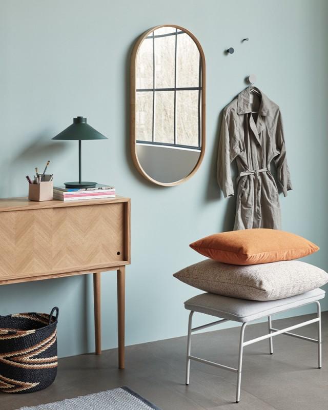 media/image/Looks_SkandiDesign_Huebsch_interior_kommode_lampe.jpg