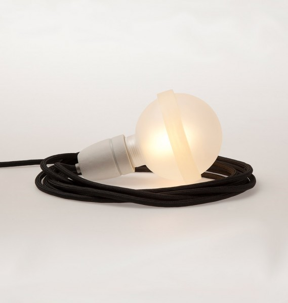 "Raumgestalt Designerlampe ""Lampa"" mit schwarzem Kabel"