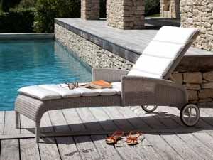 Komfort Trifft Leichtigkeit: Die Loungesessel Und Loungestühle Aus Rattan  Und Polyrattan Laden Sie überall Zum Absoluten Relaxen Ein.