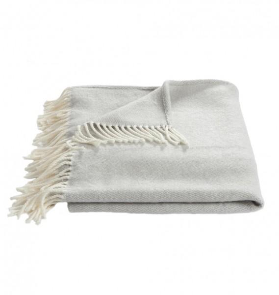 Weiche Decke mit Fransen