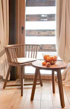 beistelltische aus holz nat rliches design online bestellen. Black Bedroom Furniture Sets. Home Design Ideas