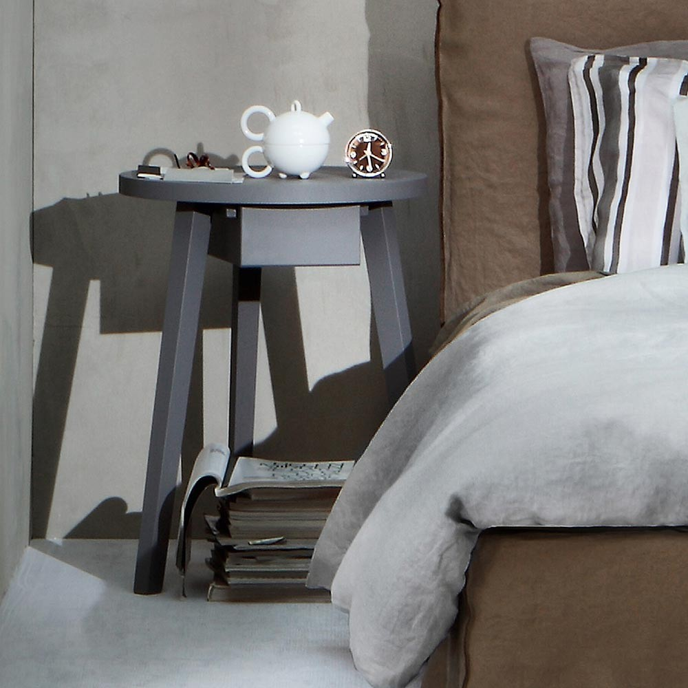 designer nachttisch aus glas gallery of designer nachttisch aus glas with designer nachttisch. Black Bedroom Furniture Sets. Home Design Ideas