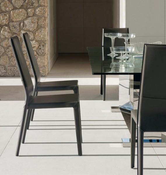 Lederstuhl schwarz esszimmer ihr traumhaus ideen for Lederstuhl schwarz esszimmer