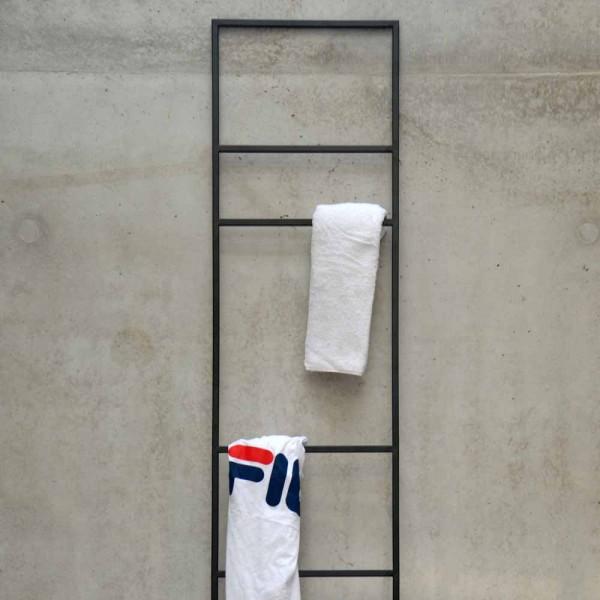 """Handtuchleiter """"Loop"""" von jankurtz"""