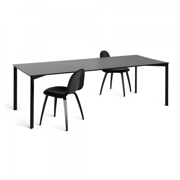 """Esstisch von Gubi """"y! table"""""""