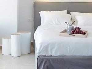 Weiße Nachttische | Rein ins luftige Schlafzimmer - milanari.com