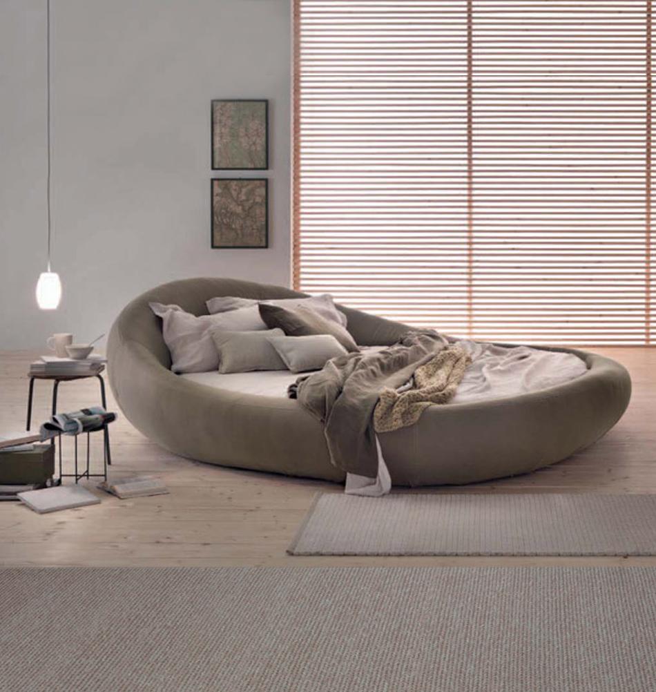 Italienisches rundbett mit samtbezug online bei for Designer bett