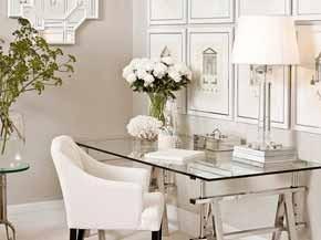 Möbel Im Shabby Chic Beistelltische Vintage Stil Und Liebevoll Verzierte Accessoires Lassen Jedes Herz Höher Schlagen