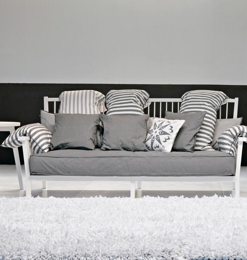 Skandinavische Sofas Couch Im Skandinavischen Design