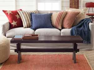 Designermöbel Im Landhausstil Bringen Frische Landluft In Ihr Zuhause:  Rustikale Holzmöbel, Wie Stühle, Sessel Und Tische Verwandeln Ihr Wohnzimmer  In Eine ...
