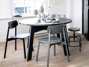 Mit Dem Richtigen Tisch, Stühlen Oder Bänken, Der Richtigen Leuchte U0026 Deko  Wird Der Essplatz Zum Gemütlichen Mittelpunkt Des Wohnbereichs.