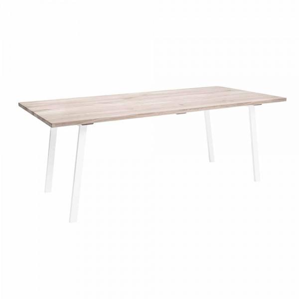 Stilvoller Esstisch im skandinavischen Design