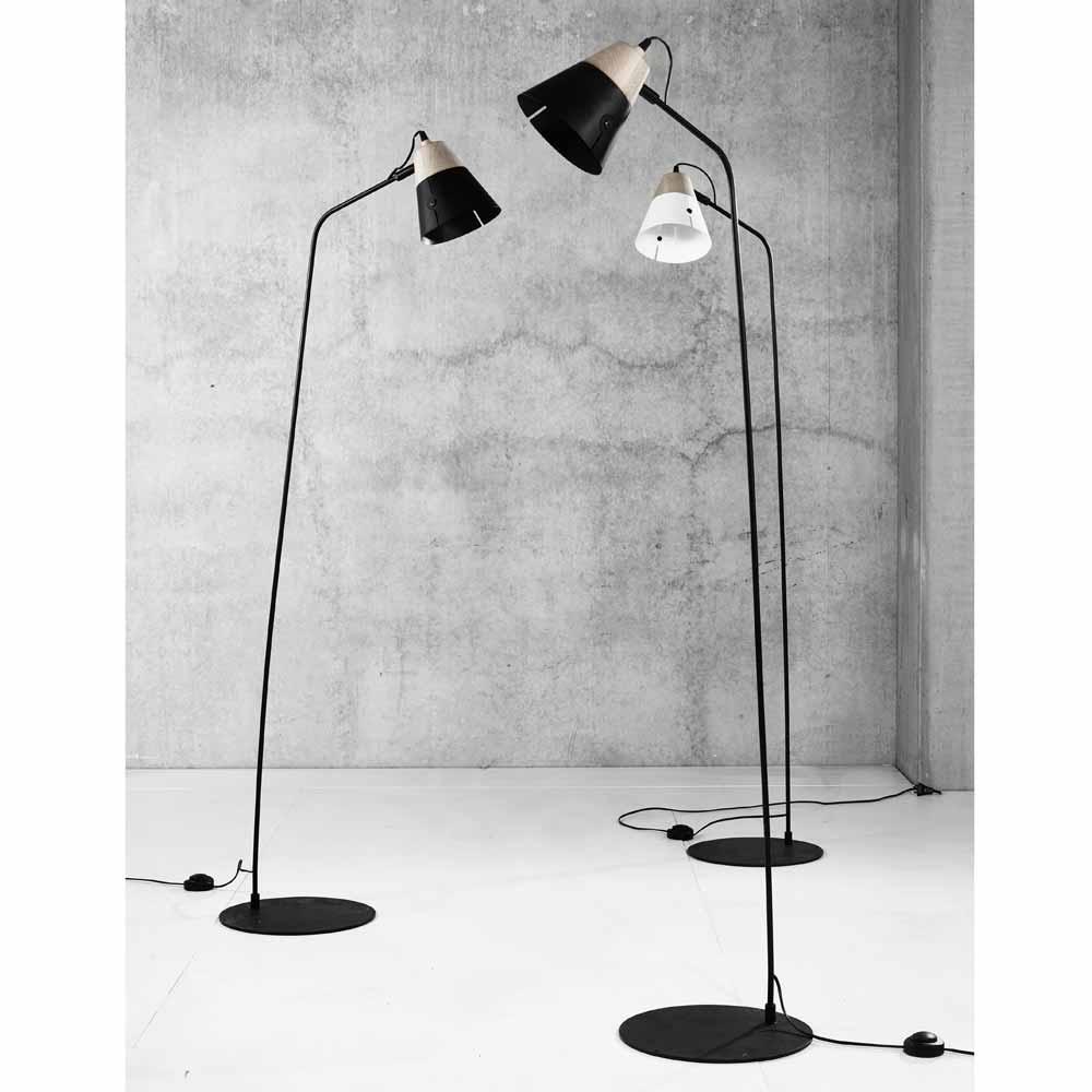 Stehlampe Aus Eiche Und Lampenschirm Aus Heu: Stehlampe Aus Holz & Metall