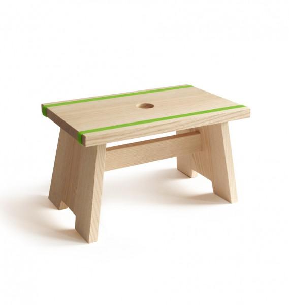 """side by side design Schemel """"Little Stool"""" mit grünen Silikonbändern"""