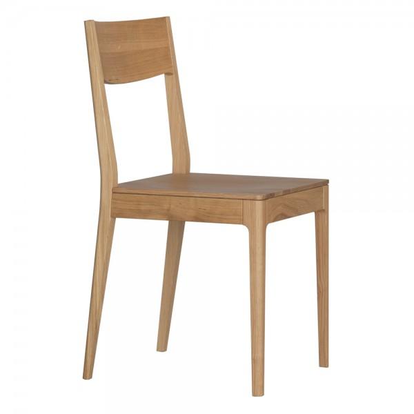 """Stuhl """"Calu"""" von ZEITRAUM aus Eiche"""