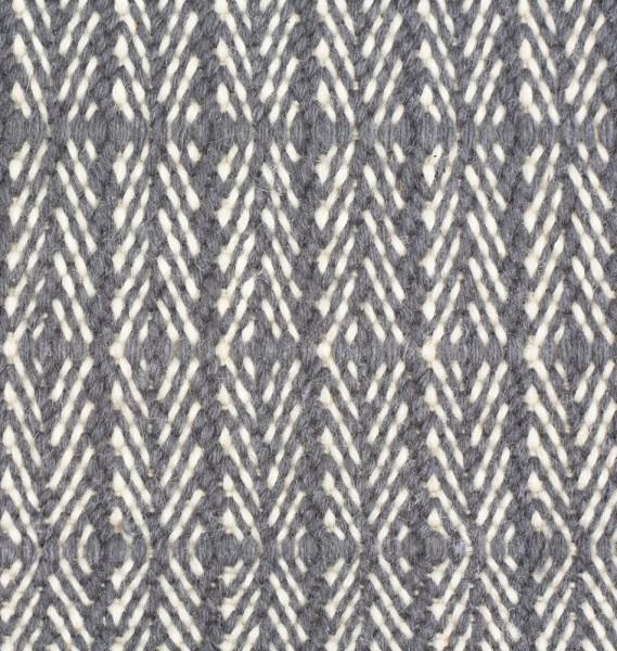 Wollteppich mit klassischem Fischgrät-Muster