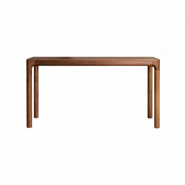 """Schreibtisch """"M11"""" von ZEITRAUM - aus Nuss"""