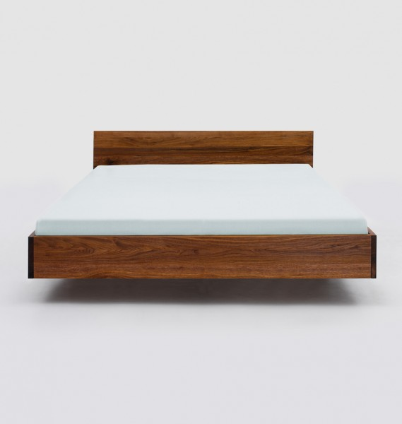 Bett von ZEITRAUM Möbel